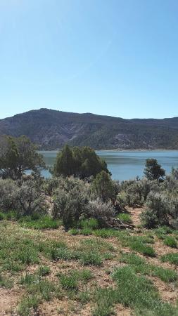 Navajo State Park: Views of Navajo Lake from Rosa Loop