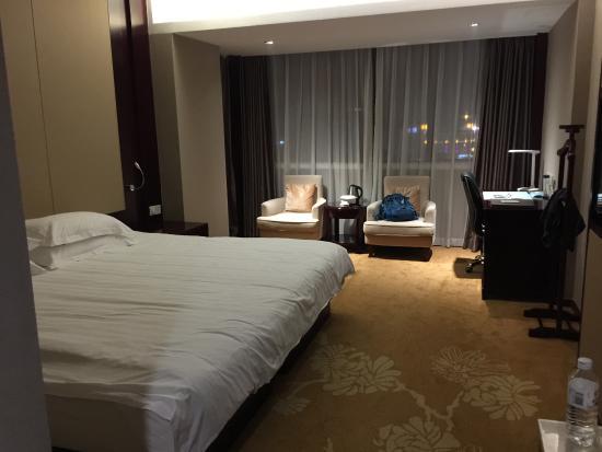 Overseas Chinese Hotel Bild