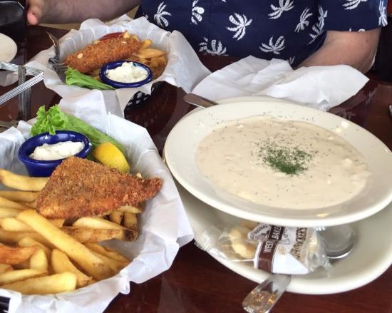 La Conner, WA: Seafood chowder and cod fish and chips
