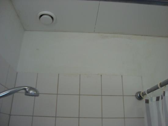 Horning, เดนมาร์ก: Fugt/råd på badeværelset