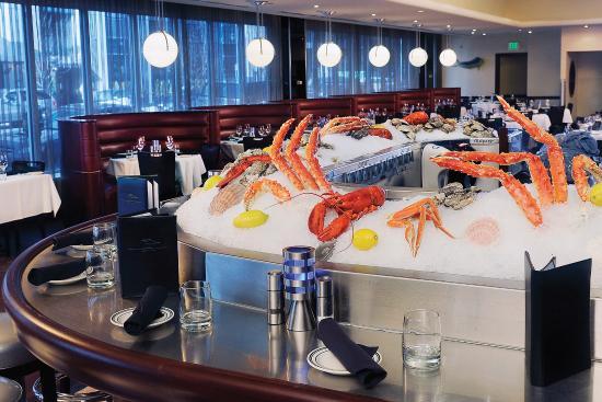 Foto the oceanaire seafood room denver for Fresh fish company denver colorado