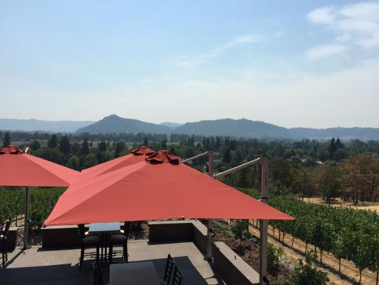 Roseburg, OR: Gorgeous vistas, great wine
