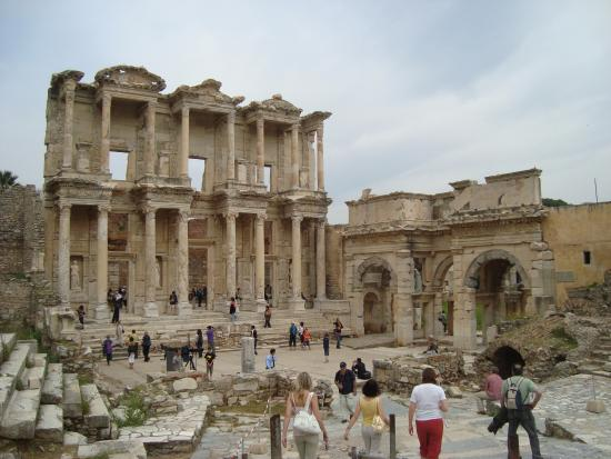 Celsus Travel: Ehesus Library