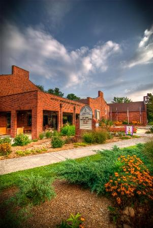 Old Town Emporium and the Historic Jonesborough Visitors Center