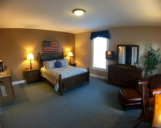 Bristol Suites: Our New South Mountain Mini-Suite