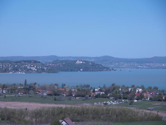 Zamardi, Ungarn: Uitzicht op Balatonmeer