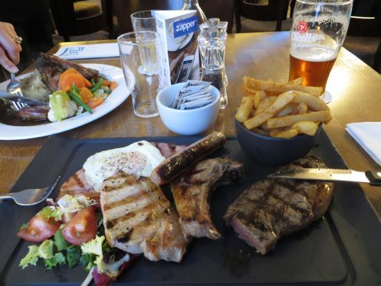 Jaks Bar & Steak House: Mixed Grill