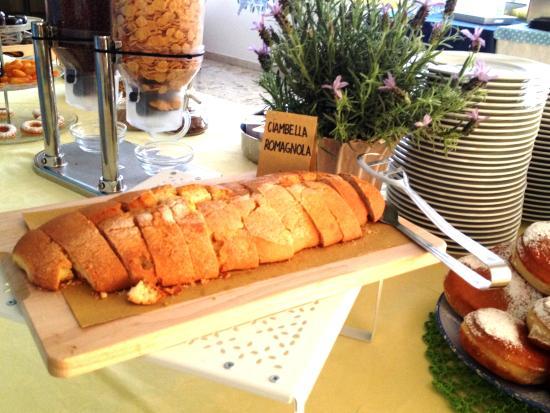 Hotel Lux Bed & Breakfast: colazione a buffet