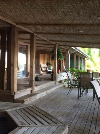 Starlight Plantation: View of Porch from Cedar Suite