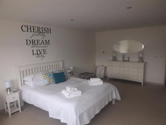 Dulcote, UK : Main downstairs bedroom