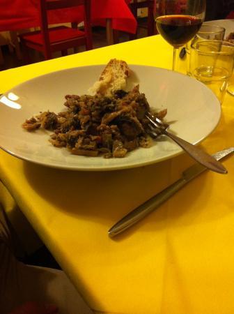 Fiumalbo, إيطاليا: salsiccia fritta con verza