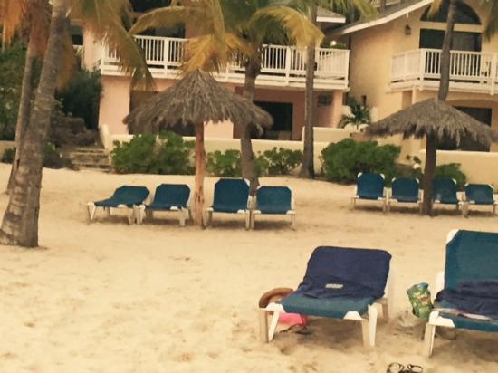 Mamora Bay, Antigua: 2 bedroom villa and walk out to beach!