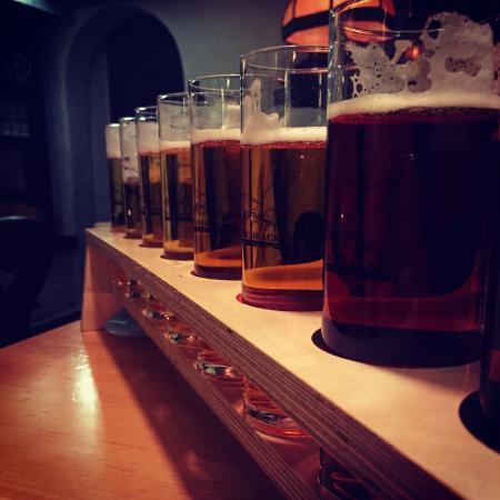 Restaurang Rauhrackel: Schnitzel och 1 meter öl!