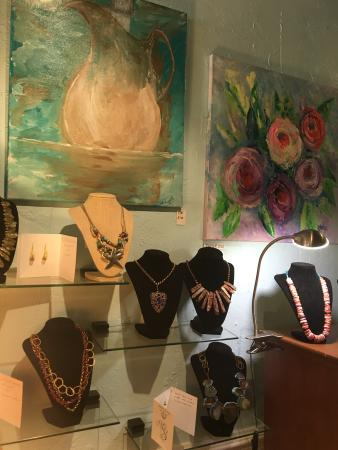 Artology Gallery & Gifts