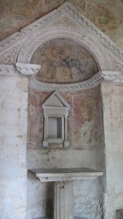Campello sul Clitunno, Italia: l'interno
