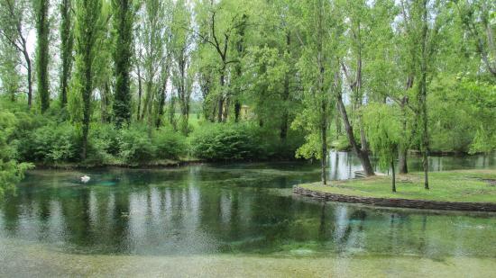 Campello sul Clitunno, Italia: il lago