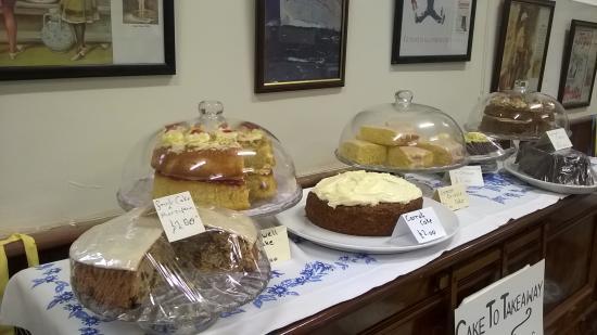 Wetton, UK: Homemade cakes