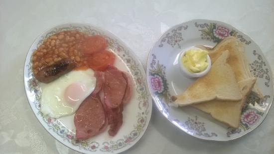 Wetton, UK: All day breakfast
