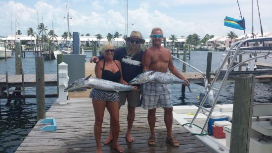 Treasure Cay Beach, Marina & Golf Resort: No, that is not ZZ Top. Capt. Mark and our catch