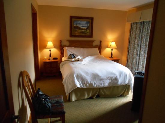 Tree Tops Resort: Master bedroom