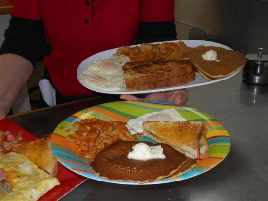 Howies Restaurant Of Wisconsin Dells Howie S Huge And Super Breakfasts