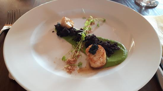 Food - Dog in a Doublet: Scallops with caviar, black pudding & pea puree.