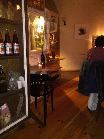 Photo of Restaurant Ein Laden at Weserstr. 208, Berlin 12047, Germany