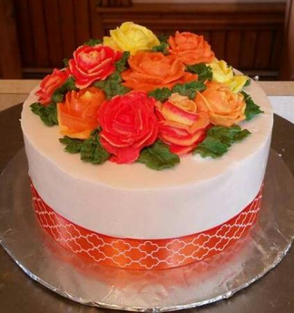 Plymouth, Нью-Гэмпшир: This is the wedding cake Wicked Good Bakery made for me! So gorgeous!