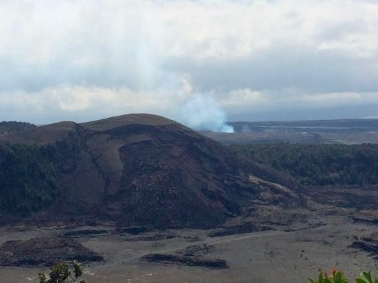 Big Island Volcano and Waterfalls Tours: Volcano