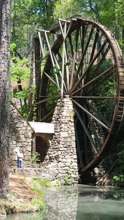Mount Berry, GA: Mill Pond