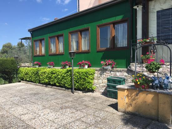 Collazzone, Italia: facciata esterna