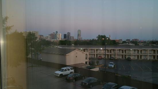 Fairfield Inn & Suites Dallas Medical / Market Center: 20160424_200840_large.jpg
