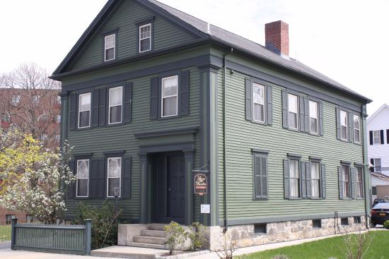 Fall River, MA: Exterior of Lizzie Borden House