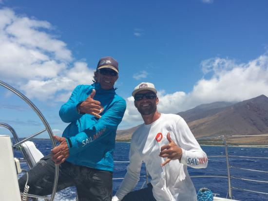 Sail Maui Private Tour: Captain Greg and crewmate Tyler made the trip perfect