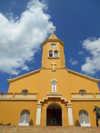 Igreja Matriz do Sagrado Coração de Jesus, em Minduri, pequenina cidade de Minas Gerais.