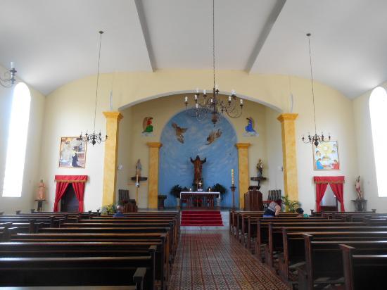 Interior da Igreja Matriz do Sagrado Coração de Jesus - Minduri - MG