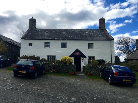 Llwyndu Farmhouse Photo