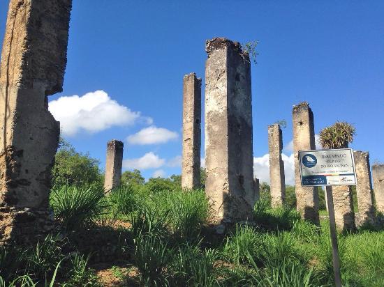 Anchieta, ES: Ruínas do Rio Salinas