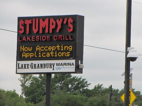 Stumpy's Lakeside Grill: Great location - good food