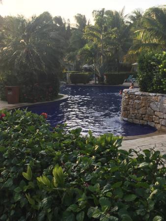 Mayan Princess Beach & Dive Resort: Part of the pool