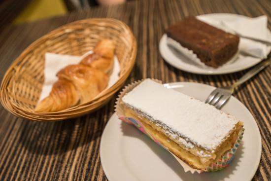 Pantai Tengah, มาเลเซีย: Pastries
