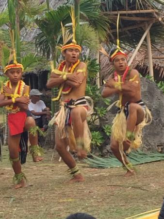 Manta Ray Bay Resort: Yap Day - The Men's Dance