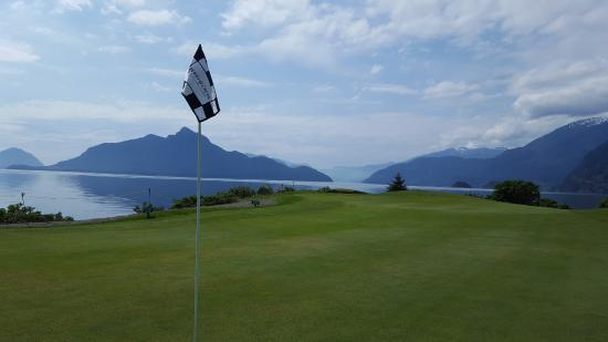 Furry Creek, Canada: Best par 3 on the course!