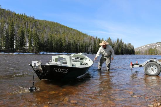 Wise River, MT: David Decker setting out the boat ready for a new floating trip.