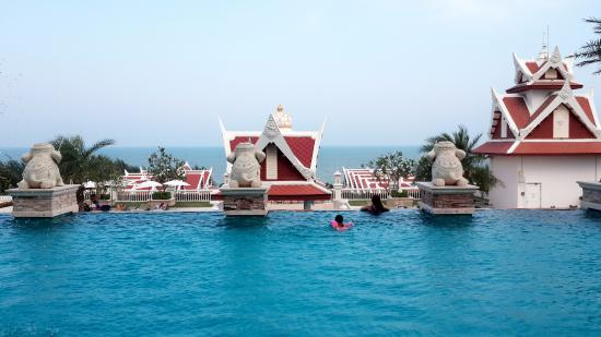Grand Pacific Sovereign Resort & Spa Photo