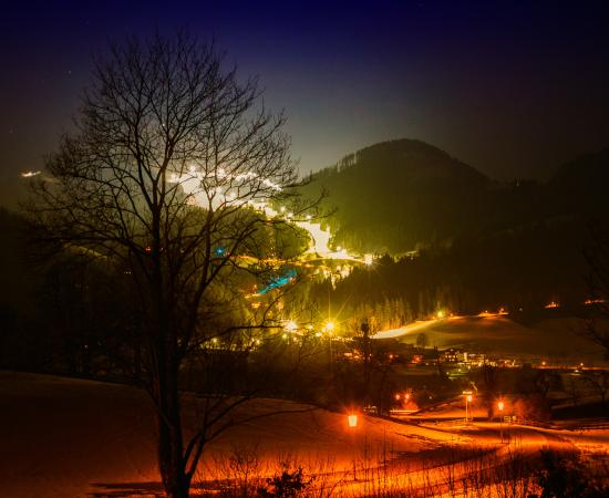 Rodelverleih Hohe Salve: Nighttobogganing, Nightskiing and Snowboarding in austrias largest nightski area.