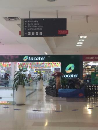Mall Plaza El Castillo : Corredor