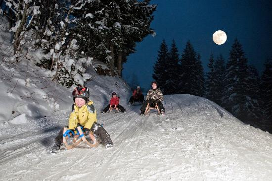 Nachtski Soll: Toboggan fun for the whole family and with friends.