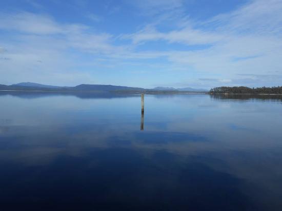Strahan, Αυστραλία: Gordon River - view from Sarah Island