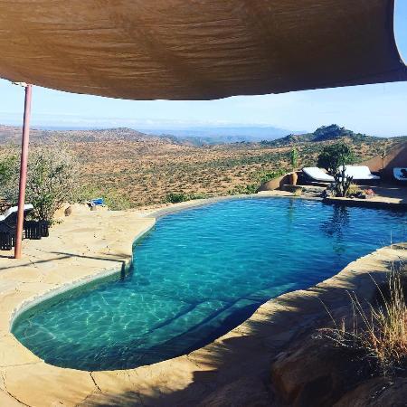Gorgeous Hillside pool.